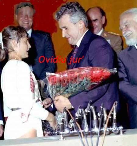 Nadia Comaneci a decis sa-si asigure la o banca din SUA titlul de Erou al Muncii Socialiste, conferit de Nicolae Ceausescu in 1976