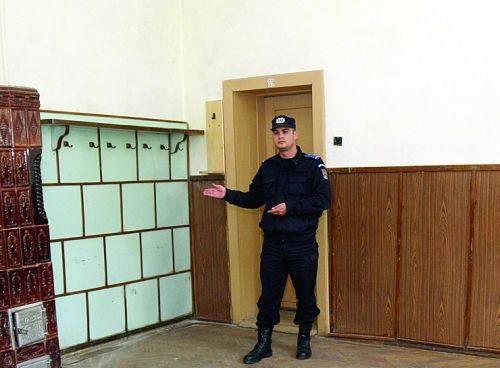 In aceasta camera au fost judecati sotii Ceausescu