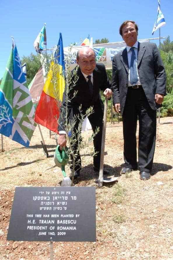 Basescu Monument