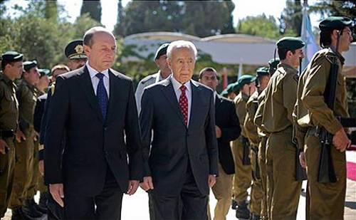 Traian Basescu Shimon Peres