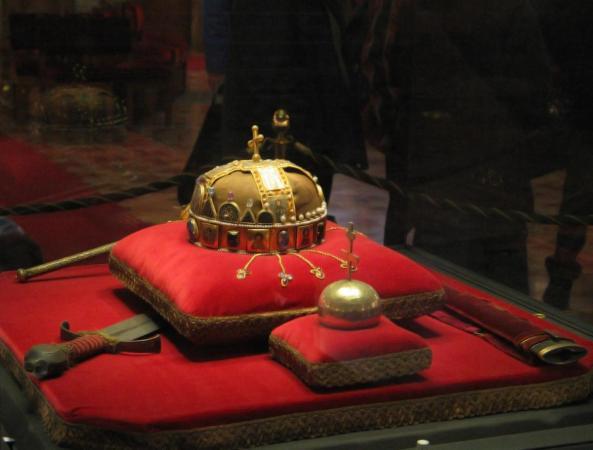 Coroana regelui maghiar Ştefan cel Sfânt
